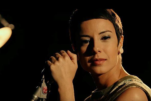 A atriz Andreia Horta interpreta Elis Regina, na cinebiografia da cantora